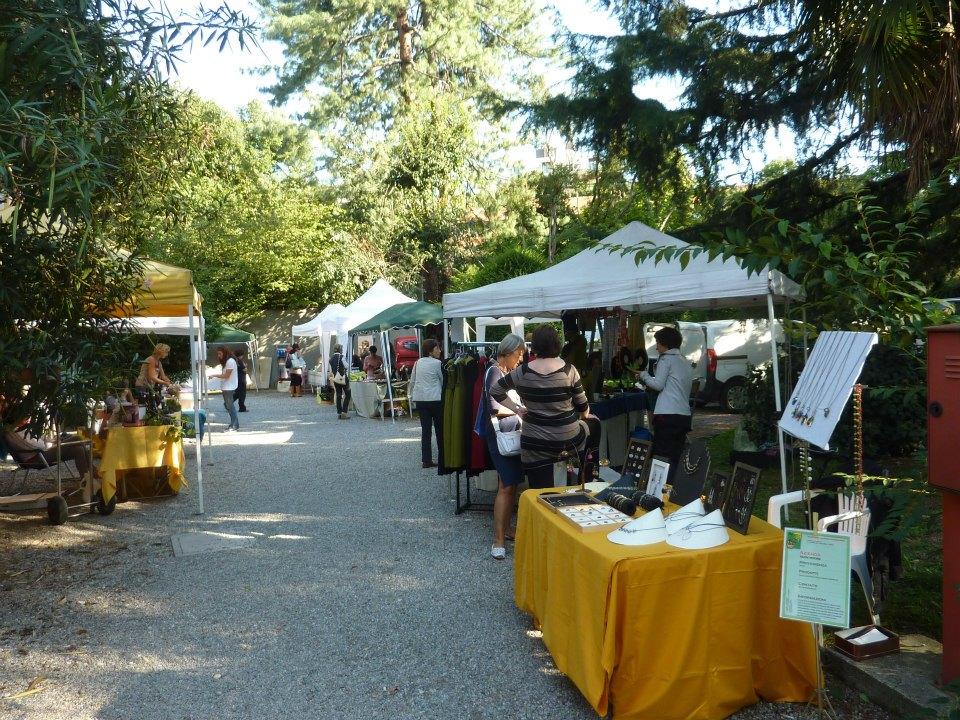 Mercato in giardino via san vittore milano for Negozi arredo giardino milano